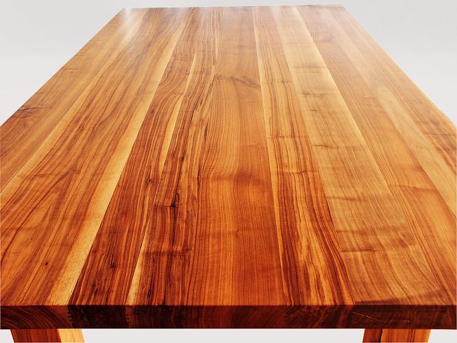Tisch Amerikanischer Nussbaum massiv geölt mit Tungöl wasserfest